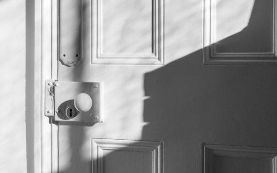 Prečo si kúpiť bezpečnostné dvere a prečo naopak nie?