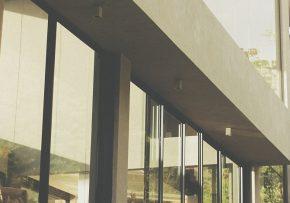 Elegancia, množstvo svetla a vzdušnosť – prečo zvoliť francúzske okná?